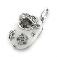 Baby-shoe-pendant